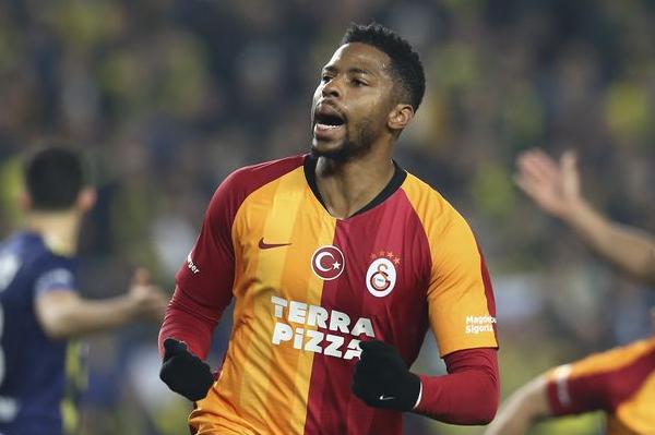 Galatasaray'dan Ryan Donk'a yeni sözleşme